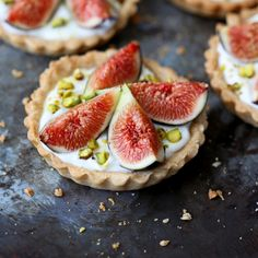 Fig and yogurt tarts