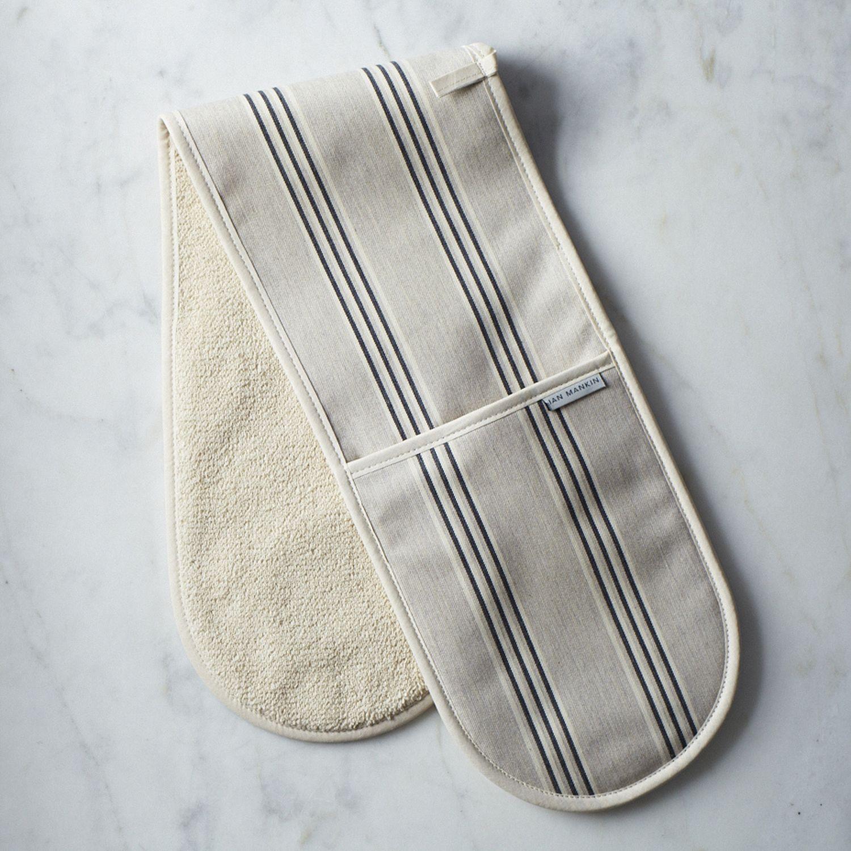 Kitchen Oven Mitts ~ Double oven mitt on food