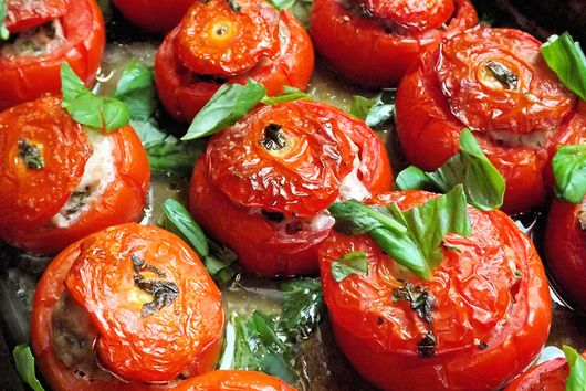 Tomatoes stuffed with pork and basil