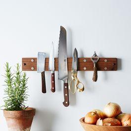 Reclaimed Walnut Knife Grabber