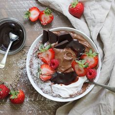 Dark Fudge Protein Smoothie Bowl