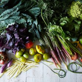 A Handy Chart for How Long Fresh Produce Will Last