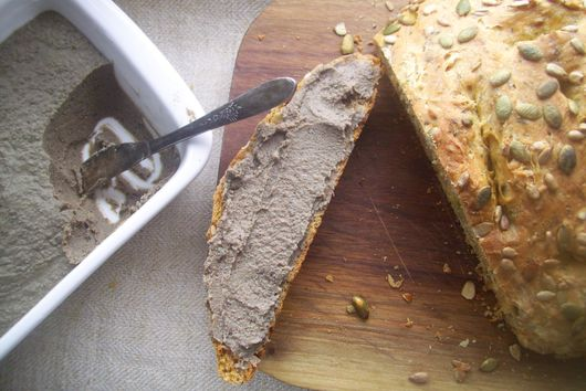 Chicken liver pate with dates and herbs