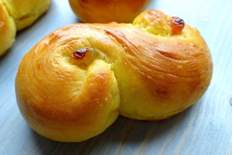 St. Lucia saffron buns (Lussekatter)