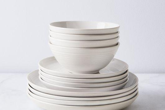 William Mason Ceramic Dinnerware (12-Piece Set)