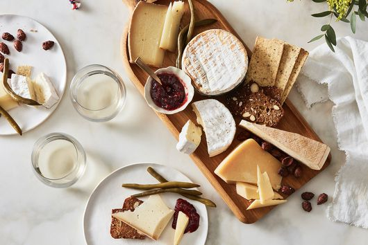 A Guide to Cheese & Condiments For Summer Meals