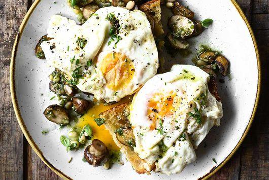 Pesto mushrooms on toast with fried egg