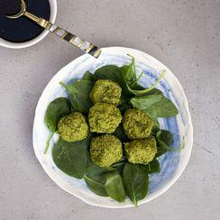 6-ingredient green vegan balls with quick teriyaki sauce {gluten-free}