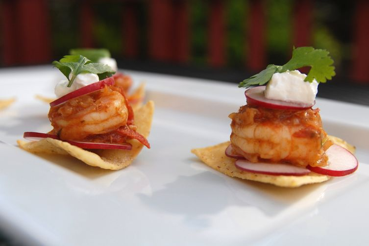 Radish and Mexican shrimp appetizer