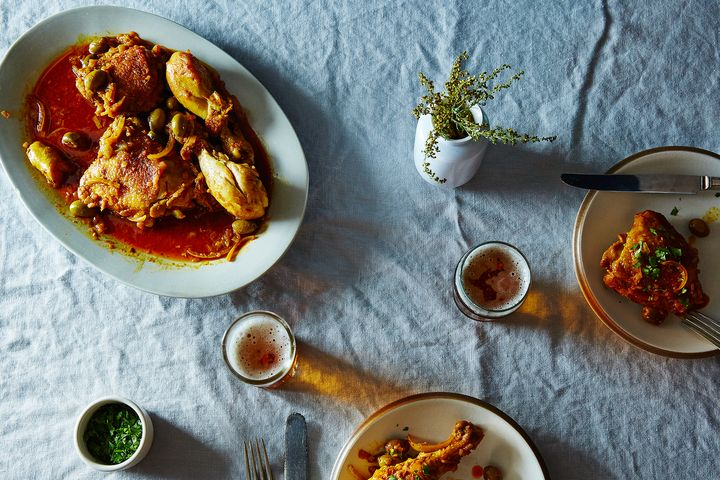 911657b7 99aa 46d2 94f9 7bdc529658ee  2015 0730 braised moroccan chicken and olives james ransom 359