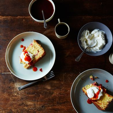 5 Ways to Turn Plain Yogurt into Dessert