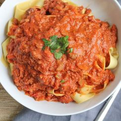 Slow Cooker Bolognese Sauce with Pappardelle