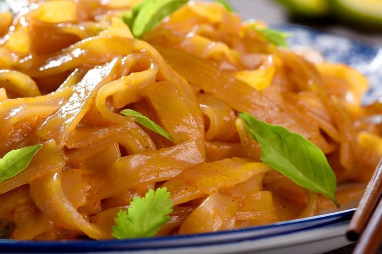 Gluten-Free Red Curry Linguini