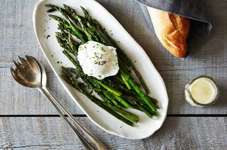 435ee0f3 9264 4100 a640 b84618a2a24a  2014 0401 wc roasted asparagus w poached egg lemon mustard sauce 015
