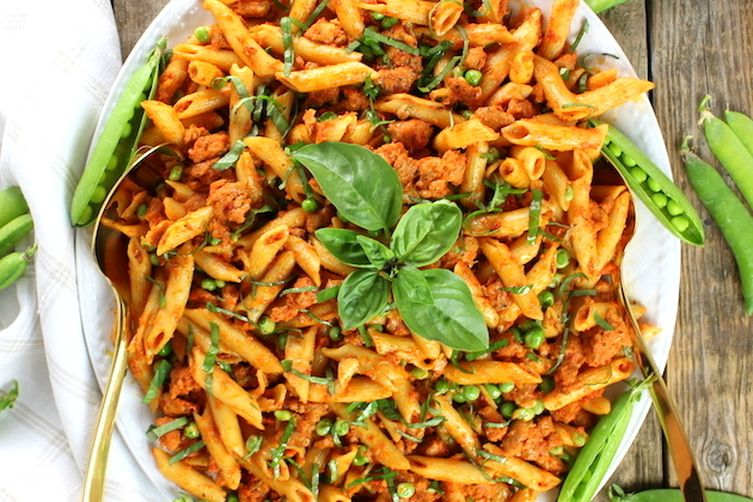 Spicy Chicken Pasta And Peas With Sun Dried Tomato Sauce
