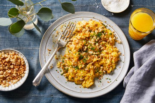 Scrambled Eggs With Buttery Bread Crumbs