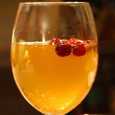 Chilled Spiced and Bubbly Cider Punch