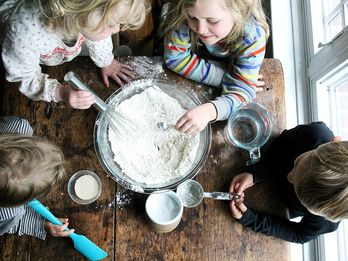 The Keys to Pizza-Making with Kids, from a Pizza Night Pro
