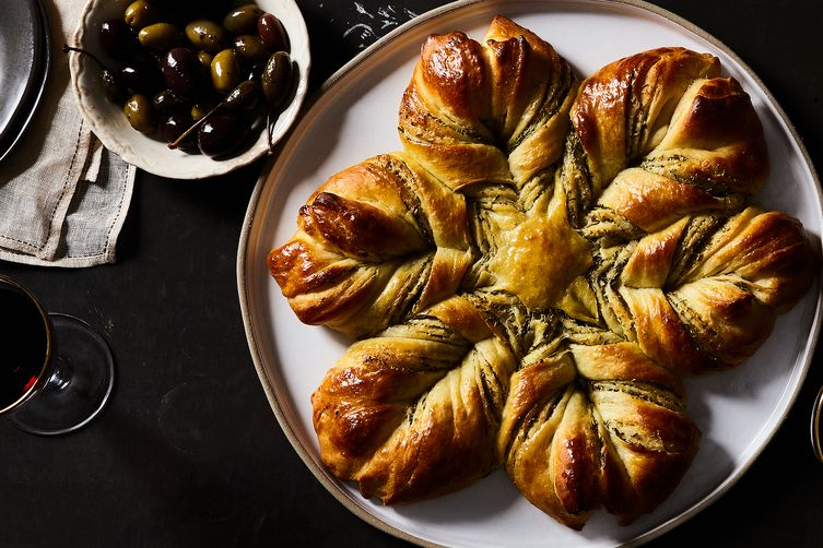Cheese and Herb Star Bread