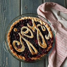 Holiday Cranberry Strawberry Pie