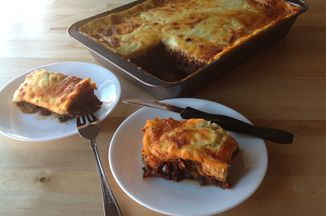 4a9bd9f8-44cc-4d5e-94a3-efbb7c83d934--moussaka_servings_side_view