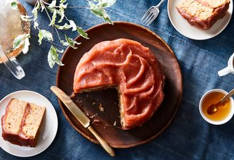 A Swoopy Ginger-Apple Cake Perfect for Bundled-Up Fall Days