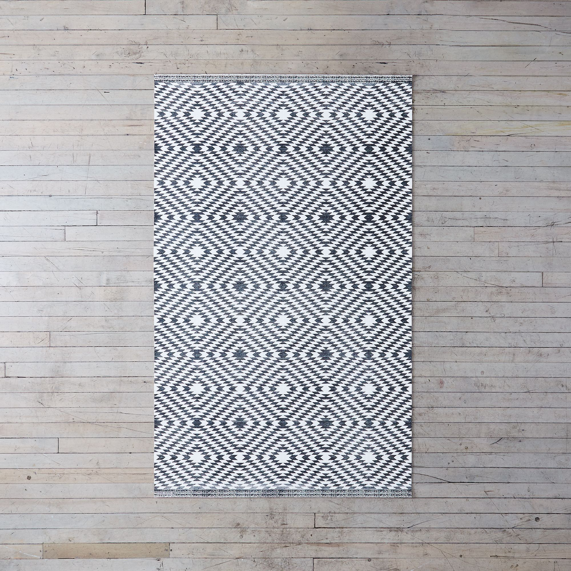 67658044 1232 412f 9647 4089ebeaf881  2017 0628 kiss that frog flatwoven vinyl mat nordic textile black diamond 3 by 5 silo rocky luten 027