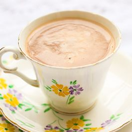 Super Easy Homemade Hot Chocolate