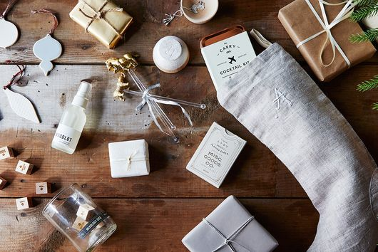 Win at Black Friday with Our 12 Holiday Gift Guides
