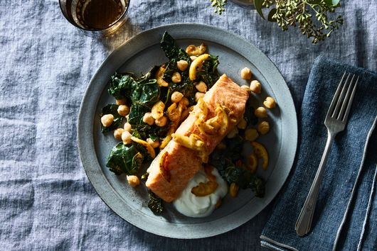 This One-Pan Salmon With Lemony Kale & Chickpeas Is Impossible to Mess Up