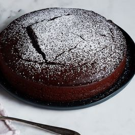 One Bowl, No Measurements: Chocolate Cake, As Easy As Can Be