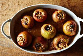 1ce642e2 c0ec 4888 bc54 a6ec935ea3c7  2014 0923 baked apples without a recipe 210