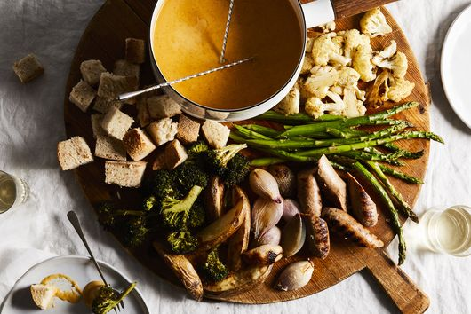 Aged Cheddar and Pilsner Fondue