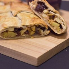 Vegan sugar-free Apple Strudel