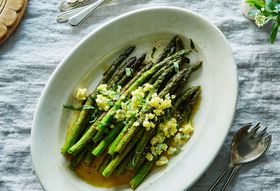 34cbd4aa e115 4843 a293 15f2133f34b8  2016 0309 asparagus with lemon butter and egg mimosa easter james ransom 046