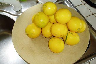 12ca3b33 c314 4934 85e7 b4062e174074  lemon pyramid