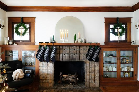 A Peek Inside a Christmas-Ready 1918 Craftsman Home