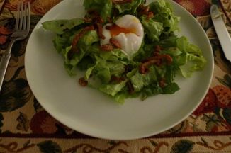 46f29e45-b698-4328-9fb0-37f5926c6814--salad_with_poached_egg_duck_jerky_crumbs_crackling