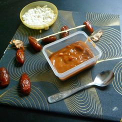 Savory and spicy Dates tamarind dip