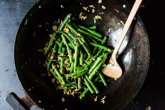 Fuchsia Dunlop's Sichuanese Dry-Fried Green Beans