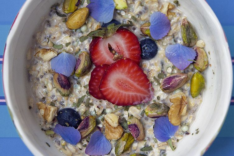 Violet Sugar Overnight Oats