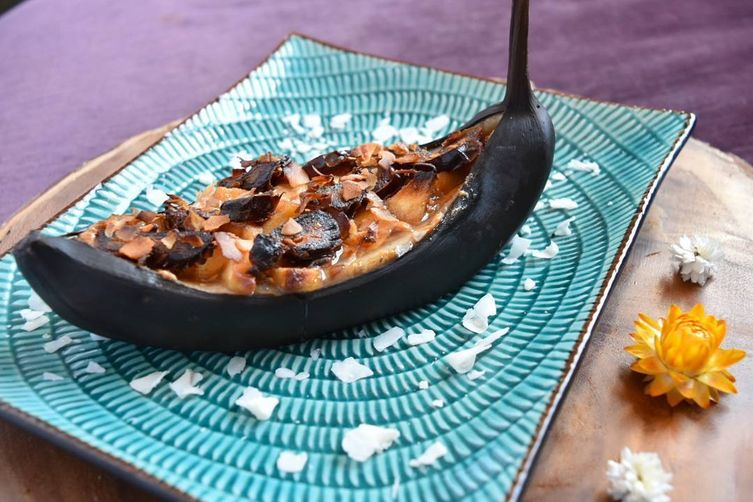 Peanut Butter Banana Boat with Caramelized Dates