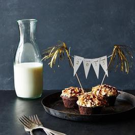 NYE Mini Cake Bunting