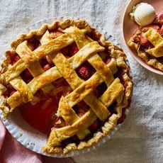 Rhubarb Strawberry Pie for a Potluck