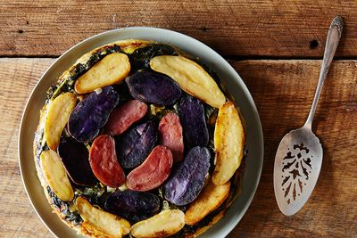 Eb0a59a6 0947 4fc2 a408 f856d47df524  2015 0303 tarte tatin with greens and fennel 007