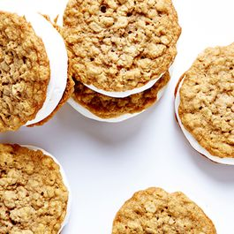 Oatmeal Marshmallow Moon Pies