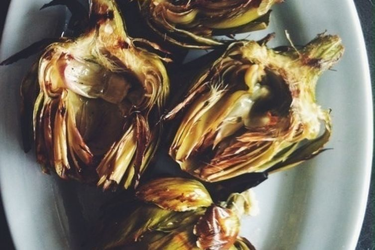 Grilled Artichokes with Garlic Lemon Aioli