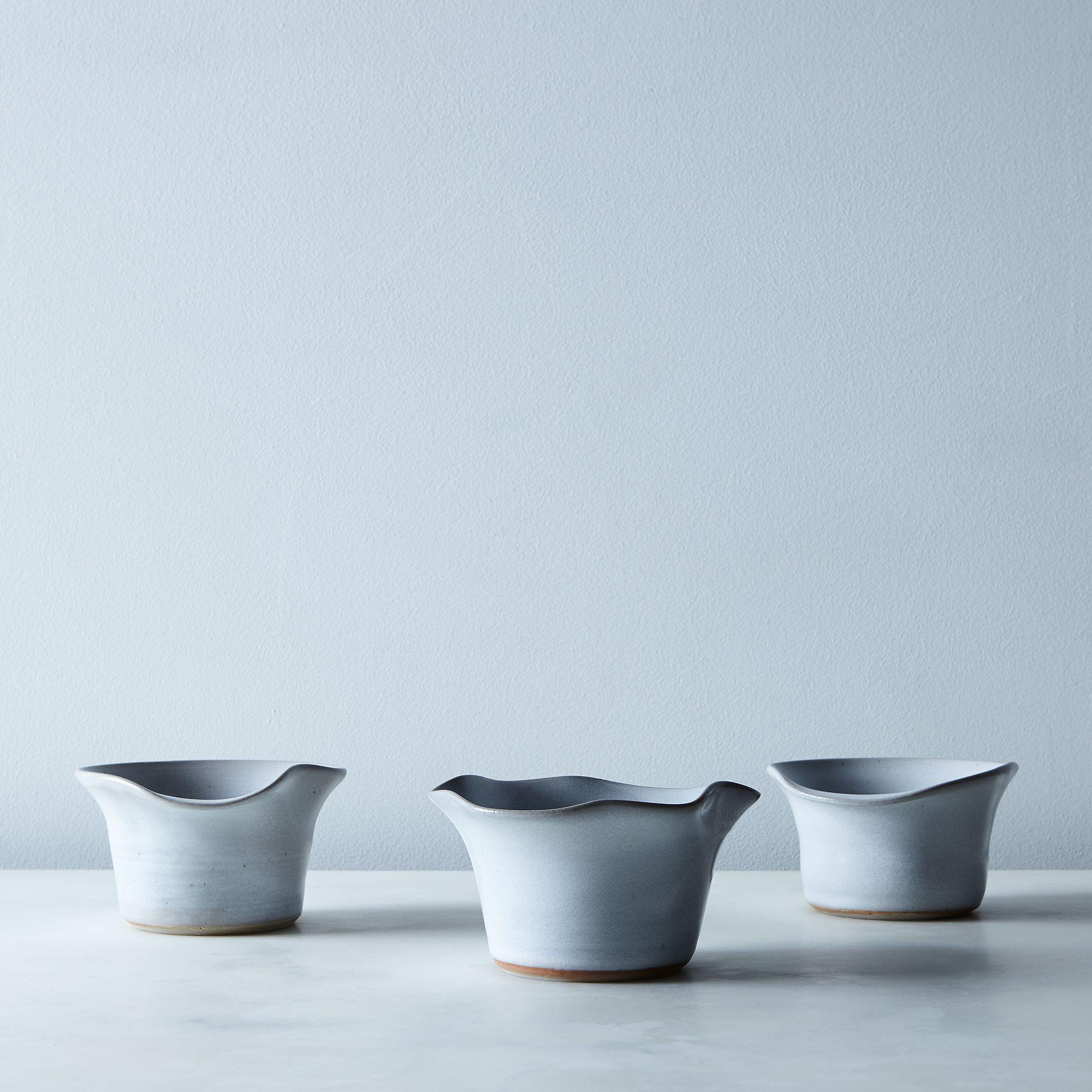 9eed0b52 1b74 46ae a953 9e9dc6c27aa5  2017 0209 moonstar pottery flower petal ikebana vases set of 3 white silo rocky luten 002