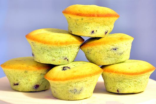 Pistachio Cranberry Muffins : Ideal tea-time snacks.