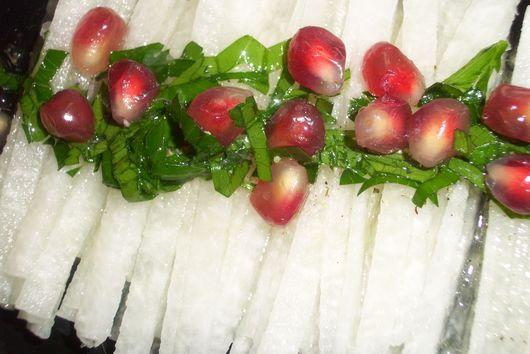 Jicama salad with pomegranate
